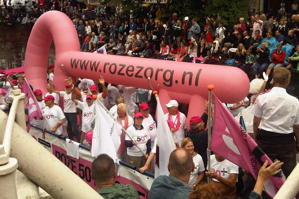 Roze 75+ boot: 'Ou(d)t & Proud'