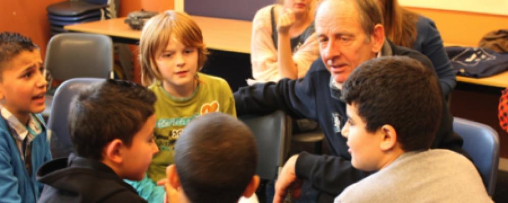 Dialoogcafé in Olympisch Kwartier: jong ontmoet oud